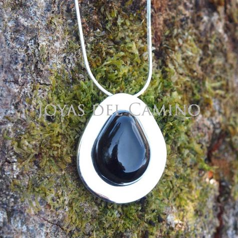 Timeless collection black jet and silver pendant